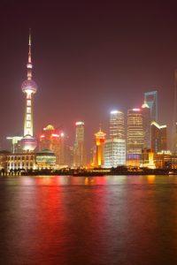 Shanghai at night © Roman Sigaev – Fotolia